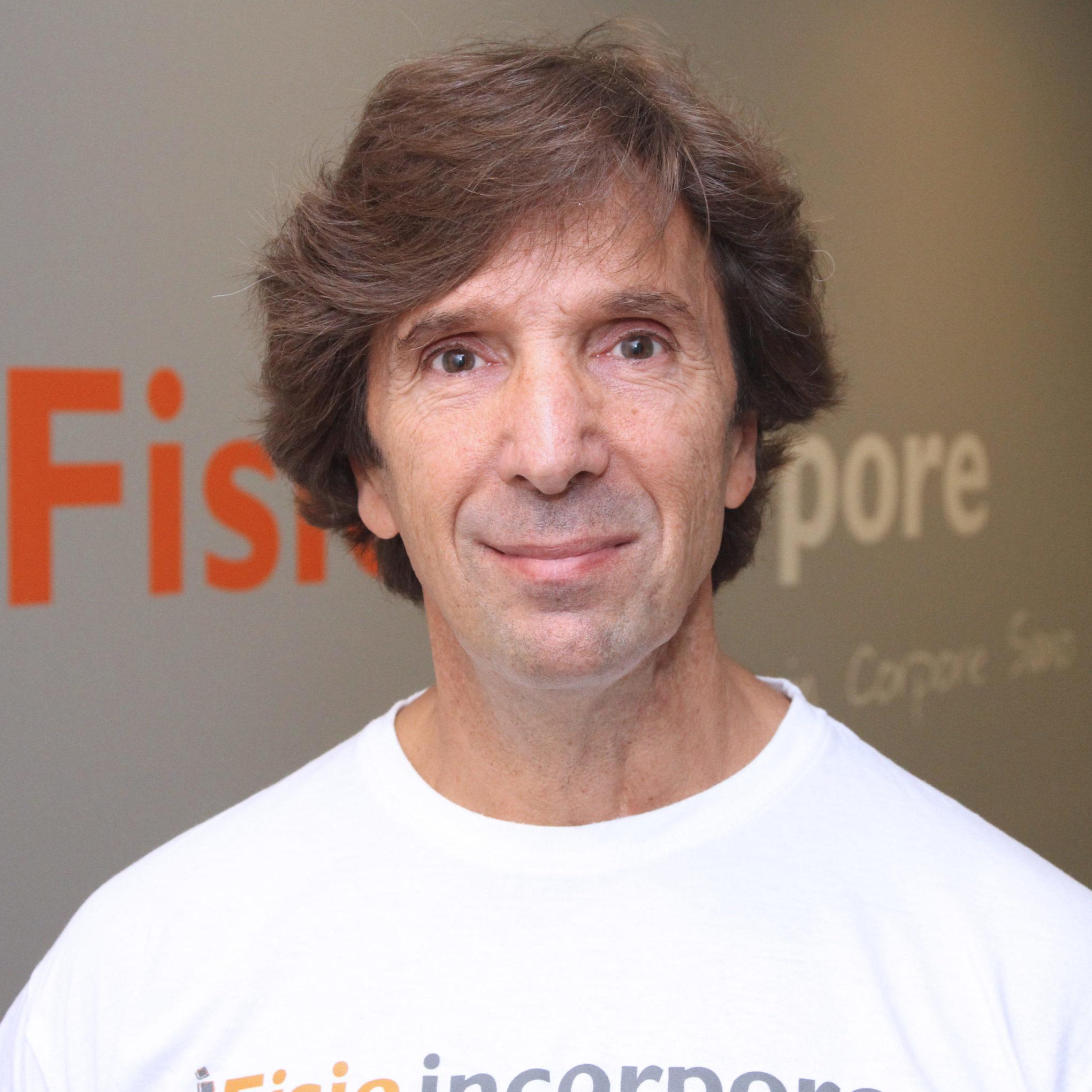 Javier Arispe, profesor de yoga en Fisioincorpore